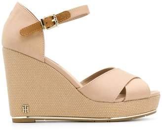 8d3df557 Tommy Hilfiger high wedge sandals