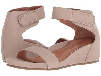 Kenneth Cole Gentle Souls by Gianna