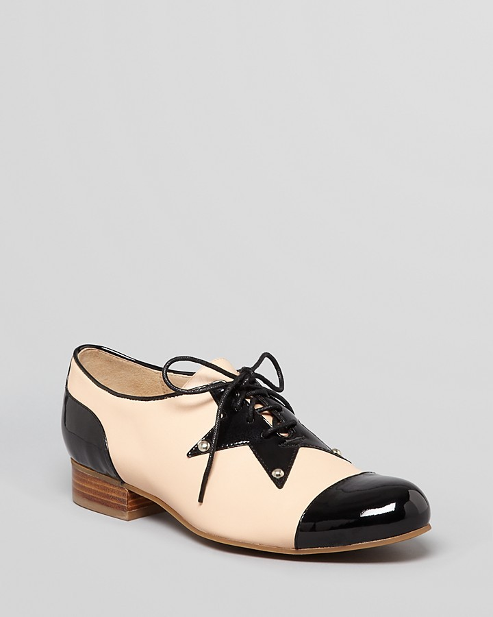 Love Moschino Cap Toe Lace Up Oxford Flats - Star