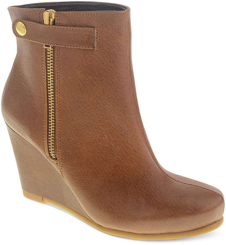 Chinese Laundry Very Best Wedge Booties