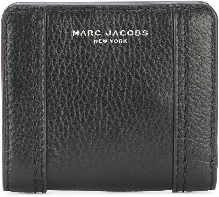 Marc JacobsMarc Jacobs branded wallet