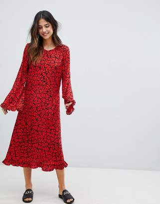 Vila shift dress with fluted sleeve