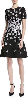 Oscar de la Renta Short-Sleeve Starfish-Print Knit Dress