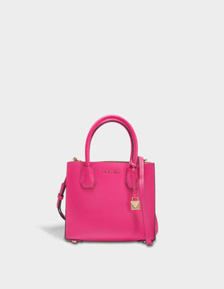 MICHAEL Michael Kors Mercer Medium Messenger Bag in Ultra Pink Pebbled Leather