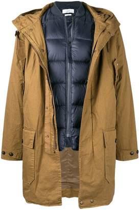 Closed hooded zipped coat