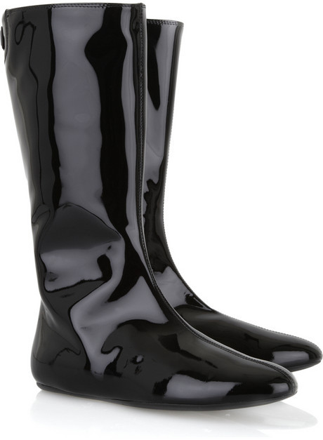 Burberry Patent leather flat boots