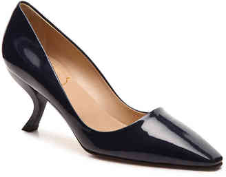 Women's Final Sale - Patent Leather Curved Pump -Navy $745 thestylecure.com
