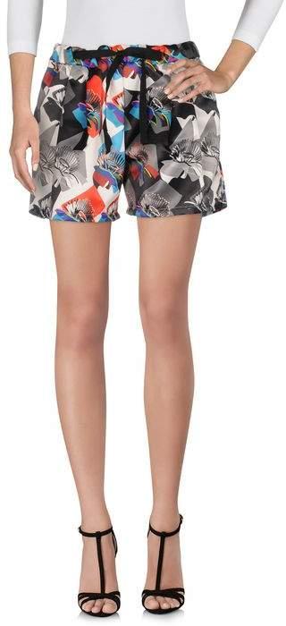 REVISE Shorts