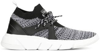 KENDALL + KYLIE Kendall+Kylie Conquer running sneakers