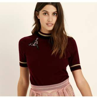 Amanda Wakeley Berry Short Sleeve Cashmere Top With Applique Moth