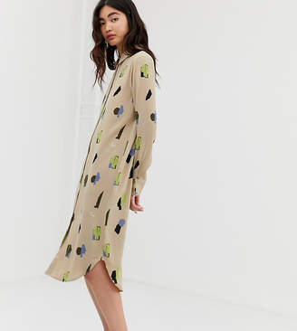 a98fc4771ae Monki midi shirt dress with face print in beige