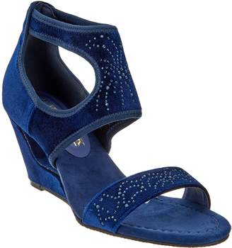 New York Transit Cut Out Sparkle Wedge- Natural Pretty
