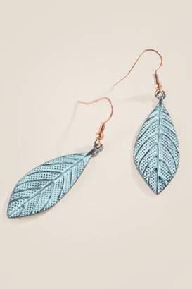 francesca's Mackenzie Textured Leaf Earrings - Turquoise