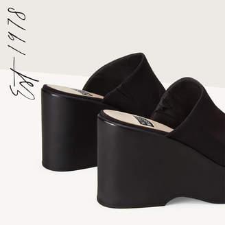 Nine West Tomo Platform Sandals