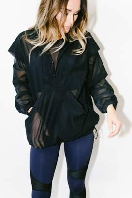 Atelier Fit Stratosphere Pullover In Black