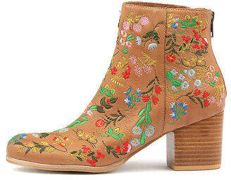 New Silent D Rooney Womens Shoes Boots Ankle