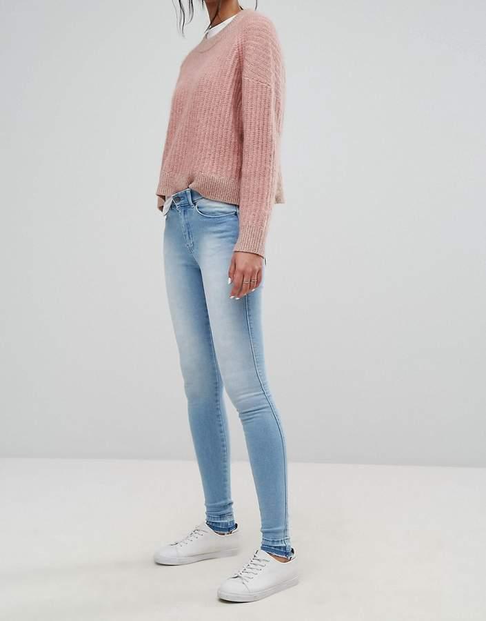 – Lexy – Jeans mit mittelhohem Bund