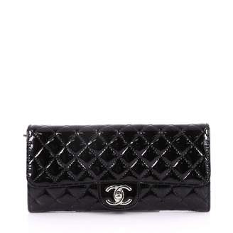 Chanel Wallet on Chain patent leather clutch bag
