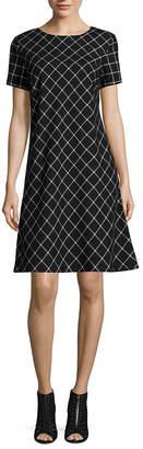Jessica Howard Short Sleeve Windowpane Shift Dress