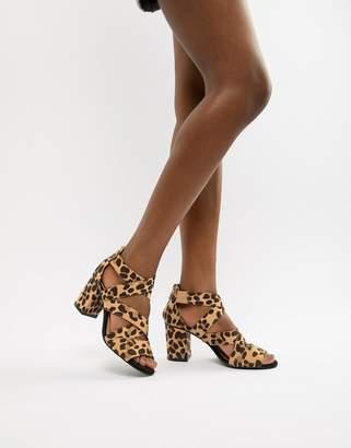 Oasis block heeled sandal in animal
