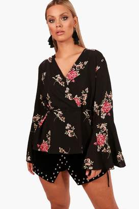 boohoo Plus Patrica Floral Ruffle Bell Sleeve Top