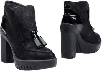 Alberto Guardiani Ankle boots - Item 11255056MM