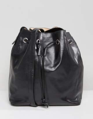 Qupid Bucket Bag
