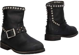 Mr Wolf Ankle boots - Item 11482540RK