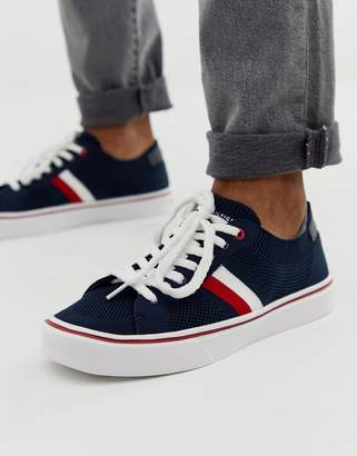 Tommy Hilfiger lightweight trainer with stripe detail heel tab and contrast sole in navy