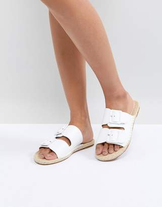 Suncoo Chunky Buckle Leather Sandals