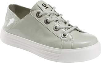 Earth R) Cedarwood Convertible Sneaker