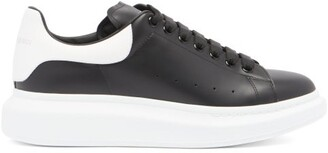 Alexander Mcqueen - Raised Sole Low Top Trainers - Mens - Black White