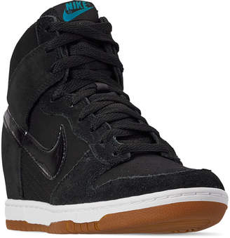 huge selection of 193ed 31af1 Nike Women s Dunk Sky High Essential Casual Shoes