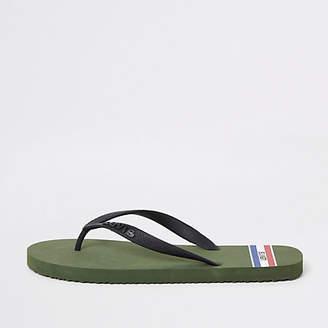 Khaki sports flip flops
