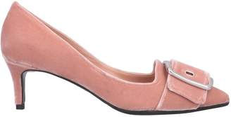 Chantal Pumps - Item 11667554KM