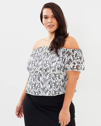ICONIC EXCLUSIVE - Elise Off-Shoulder Lace Top