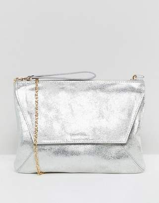 Oasis clutch bag in metallic silver