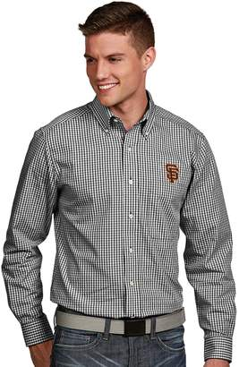 Antigua Men's San Francisco Giants Associate Plaid Button-Down Shirt