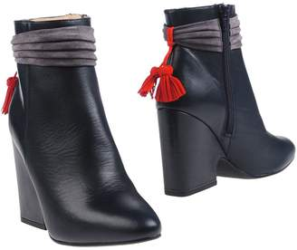 Sacha Ankle boots - Item 11307755MH