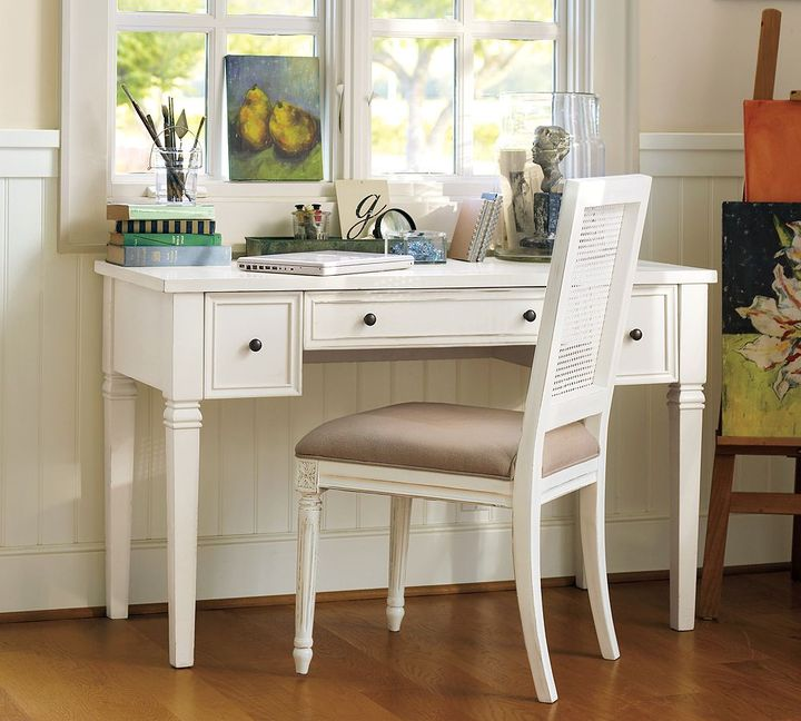 Meredith Smart Technology & Vanity Desk