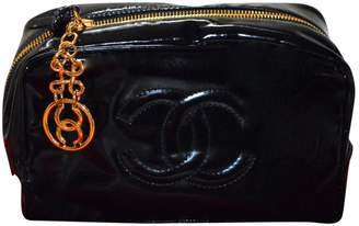 Chanel Patent leather clutch bag