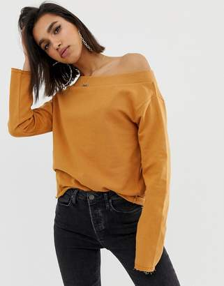 66232c90838516 BEIGE Asos Design ASOS DESIGN off shoulder sweatshirt with raw edges in