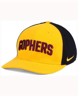 b3a87cedb8c ... Nike Minnesota Golden Gophers Classic 99 Swoosh Flex Cap