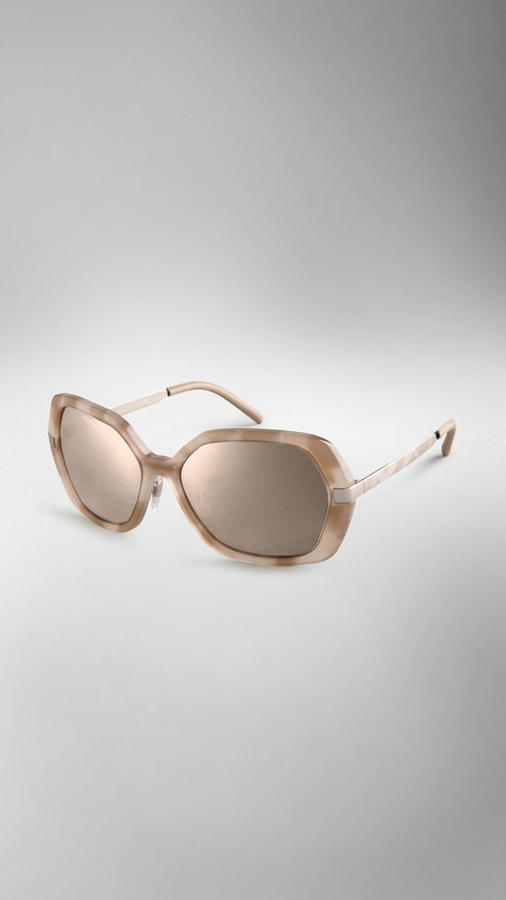 Burberry Trench Collection Round Frame Sunglasses
