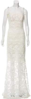 Oscar de la Renta Guipure Lace Bridal Gown