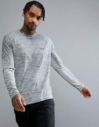 Oakley Training Tech Long Sleeve Top Regular Fit in Light Gray Marl