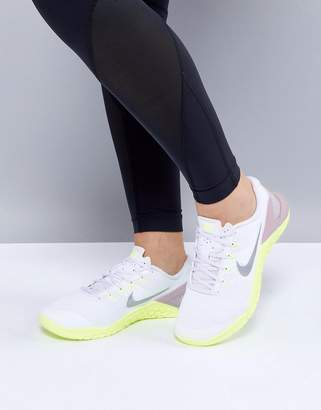 Nike Training Metcon 4 Sneakers In White And Silver