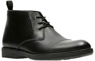 Clarks Hinman Leather Mid Chukka Boots