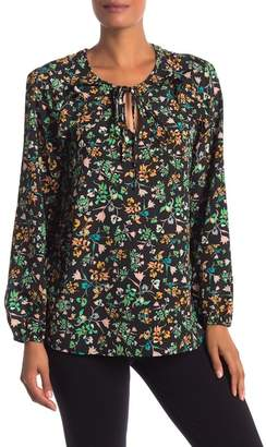 BCBGMAXAZRIA Long Sleeve Floral blouse
