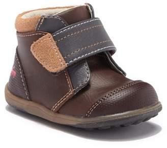 finest selection b2fee 64603 See Kai Run Sawyer III High Top Sneaker (Toddler   Little Kid)